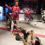 kevyn (mon fils avec un joueur de hockey