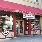 Mike's on Main is an excellent choice for burgers, sandwiches, and shakes.