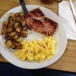 Eggs, home fries & ham