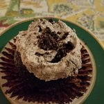 Vegan cookies & cream cupcake - I could have eaten a bowl of the icing
