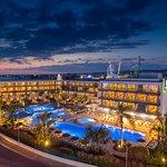Faros Hotel by night