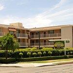San Joaquin Suite Hotel