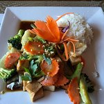 Garlic stir fried tofu with vegetables