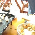 fondue queijos, carnes e doce.