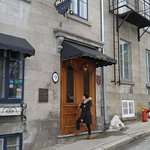Nice hotel close to the chateu frontenac. Be ready to take your shoes off when going inside. Pla