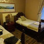 Chambre twin beds du bâtiment principal vue loch