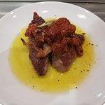 Impresionante el solomillo de cerdo con tomate seco y el pulpo con tomate