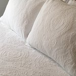 Premium Bedding for best sleeps:100% Cotton Matelasse coverlets and linens