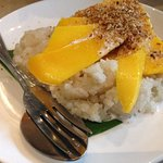 Sticky rice and mangoes