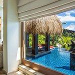 outdoor bathtub, Hermes amenities