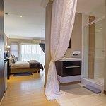 Aloe suite and bathroom