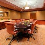 Foto di Embassy Suites Huntsville by Hilton Hotel & Spa
