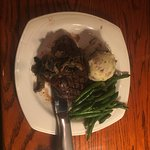 Steak with green beans and mashed taters