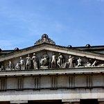 Griechische Klassik im Giebelfeld der Glyptothek