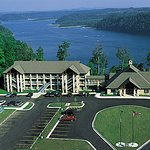 Dale Hollow Lake State Resort (Mary Ray Oaken Lodge)