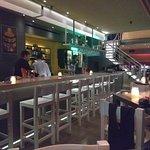 Μπάρ - Εστιατόριο Square 16