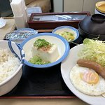 朝定食です。
