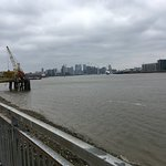 A bleak morning for a walk along the river to Wetherspoons in Greenwich