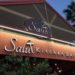 Salut Kitchen Barの写真