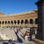 Une partie de la Place de l'Espagne
