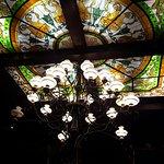 Lámpara y vitraux bellísimo
