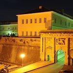 LAND GATE &FOŠA