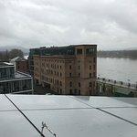 Blick von der Dachterrasse auf den Rhein und die Ex-Zementfabrik