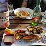 Grillteller mit 4 Edelfischen und Bandnudeln mit Lachs......