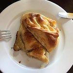 Empanada argentina de cebolla y queso (entrada)