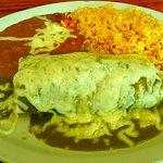 Green mole burrito