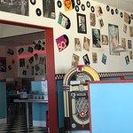 Interior Decor & Jukebox