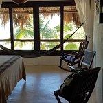 Foto de Beachfront Hotel La Palapa