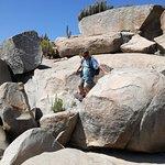 Visitando los petroglifos en Valle del Encanto.