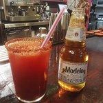 Michelada y Cerveza Modelo