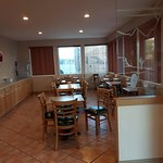 Breakfast area, lots of seating & food choice's.