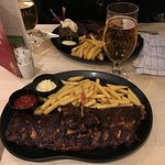 Medium ribs with fries