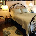 Joes Room 8 has this Ornate Victoran brass bed.