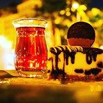 صورة فوتوغرافية لـ مايا الشوكولاتة و مقهى