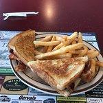 Foto de Tiny's Restaurant