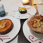 crème brulée, moelleux au chocolat et tiramisu poire