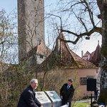 Einweihung des Burgwegs mit Oberbürgermeister Hartl