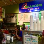 4 Seasons Juice Bar (please vote if you appreciate pictures)