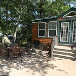Deluxe Cabins full linens, kitchen and bathroom