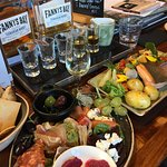 Beautiful food, amazing whiskey tasting paddle !