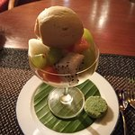 Fresh fruits with ginger ice cream
