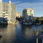 Photo de GALLERYone - A DoubleTree Suites by Hilton Hotel
