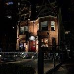 صورة فوتوغرافية لـ The Blake House