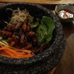 Bi Bim Bap wahlweise mit Tofu, Meeresfrüchten oder Fleisch