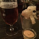 Fried pork rinds and Sleepy Bulldog Pale Ale brewed in Visby, Sweden