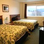 Sitka's Eagle Bay Inn Photo